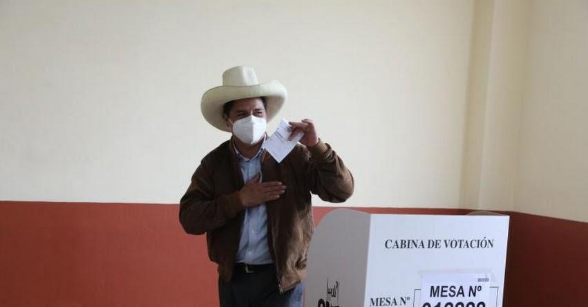 PEDRO CASTILLO: Candidato presidencial emitió su voto en colegio de Tacabamba en Cajamarca