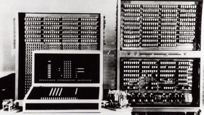 Sejarah Singkat Perkembangan Komputer