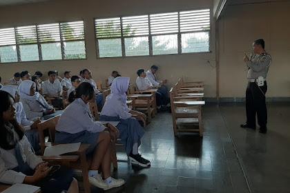Ipda Dwi Antono Berikan Sosialisai Tertib Lalulintas Kepada Siswa Baru SMA Taman Madya