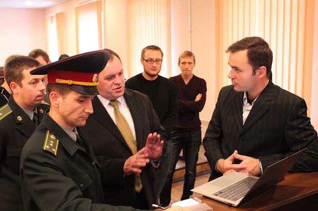 Учасники семінару у Житомирському військовому інституті імені С.П. Корольова  активно обговорюють тематику  Social Business Intelligence (Social Media Analytics, Social Media CRM)