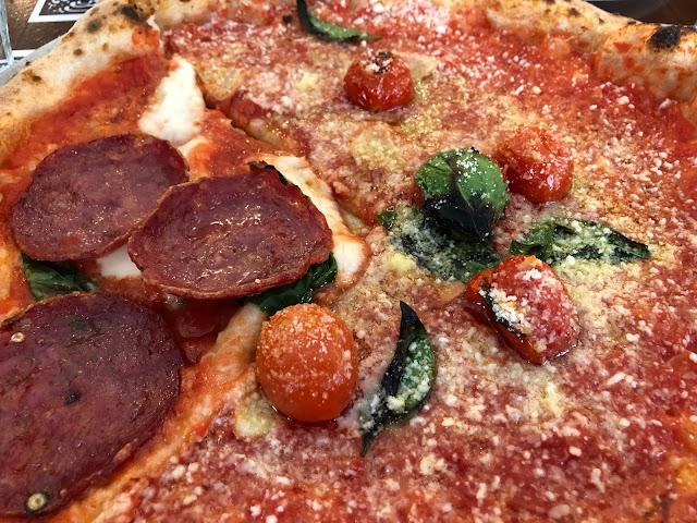 Jaettuja pizzoja