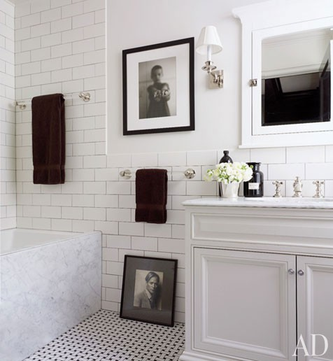 Good Style: Bright White Bathrooms