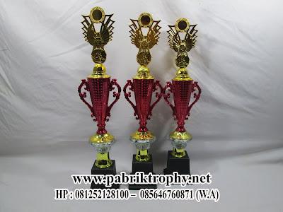 Model Piala Plastik Tulungagung