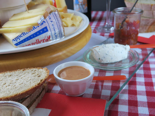 Erdbeersenf zum Käse
