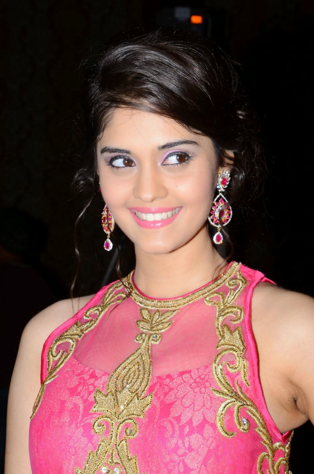 Actress Hd Gallery Beeruva Telugu Movie Actress Surabhi -6687