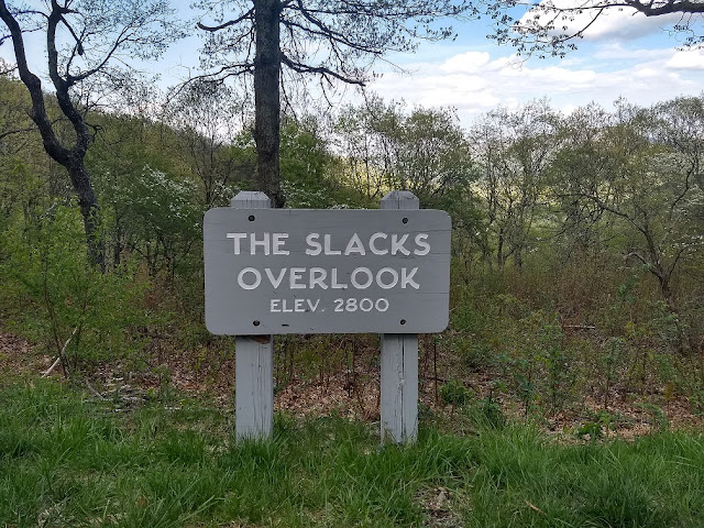 sign for slacks overlook