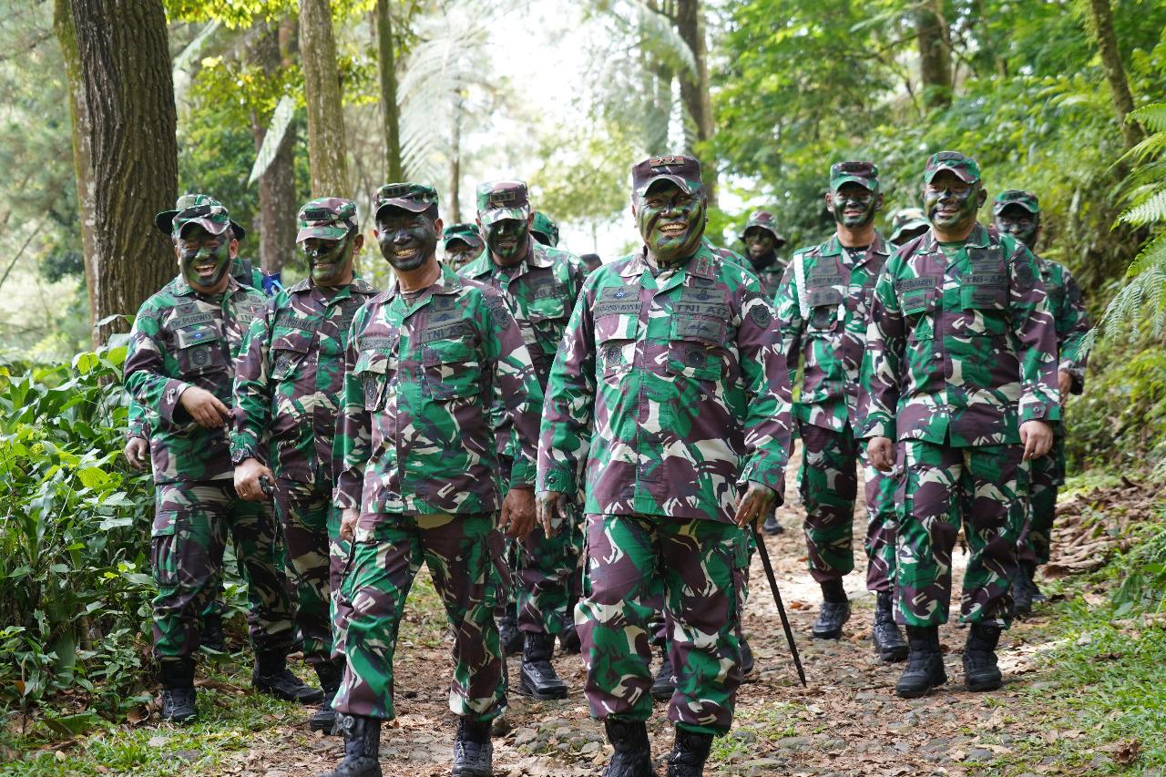 Pangdam III Siliwangi Tinjau Latihan Yonif 310/KK Persiapan Pamtas Papua