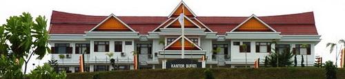 Gedung kantor Bupati Kabupaten Kuantan Singingi (Kuansing)