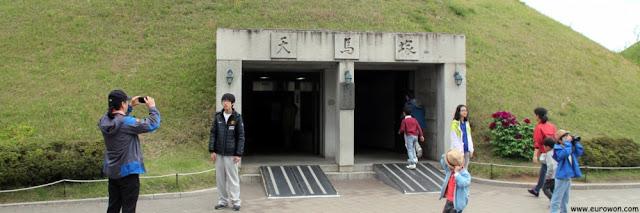 Entrada de la tumba real Cheonmachong