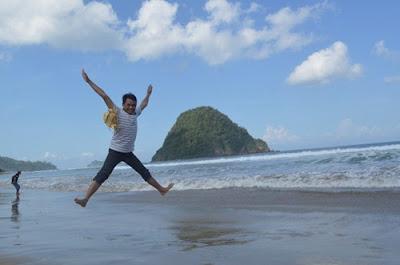 Paket Wisata Pulau Merah Banyuwangi dari Kediri Malang Surabaya Murah