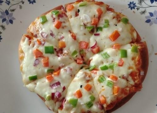 veg pizza banane ki vidhi in hindi - Veg delight pizza