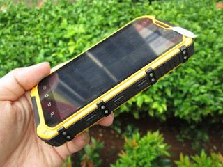 hape outdoor Landrover A9, RAM 2GB, camera 8MP