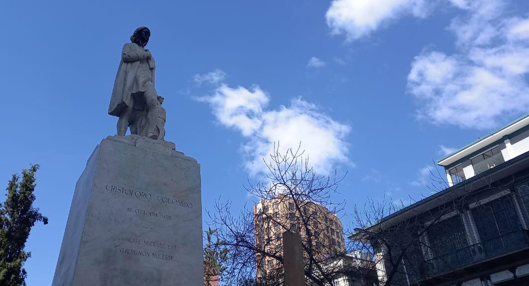 Estatua contempla los días de los paceños en El Prado desde 1926 / VISOR BOLIVIA