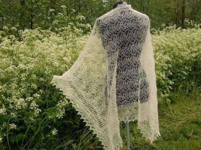 bruidssjaals, bruidsstola,omslagdoeken,gebreidesjaal voor bruid.gebreidesjaals.blogspot.com