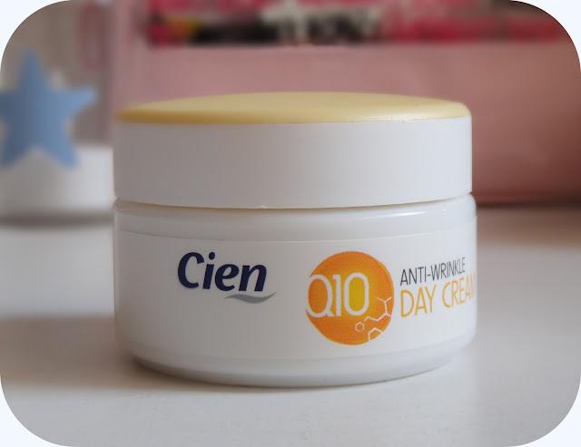 9e94597e991 Quantidade da Embalagem  50 ml. Preço  3.49€ ( mas encontrei-o em promoção  a 2.49€!!) Validade  24 meses. O que diz a marca  Cuida da pele mais  exigente ...