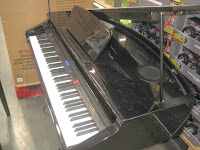 Suzuki DG10 micro grand digital piano