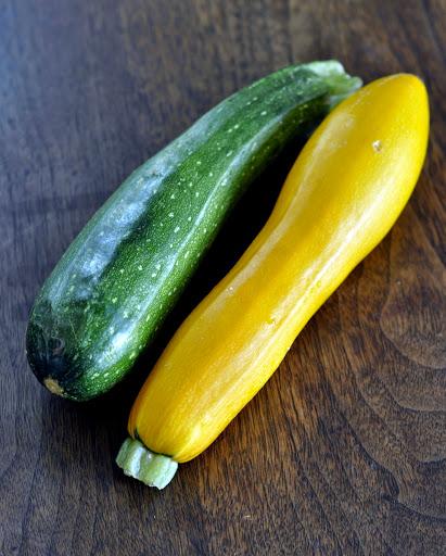 Green-Zucchini-Yellow-Zucchini-tasteasyougo.com