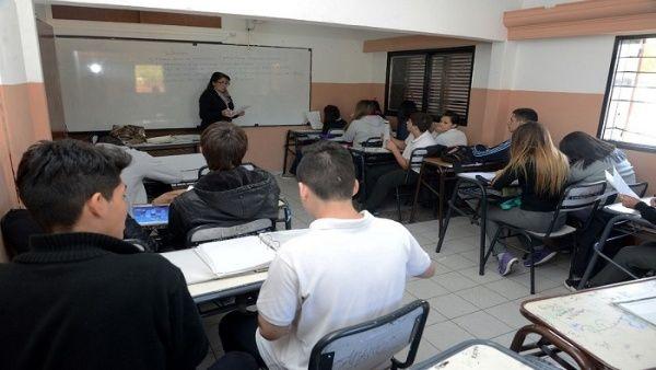Nueve provincias de Argentina regresan a clases en agosto