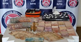 Jaguaquara: dupla é presa com drogas, dinheiro e munições