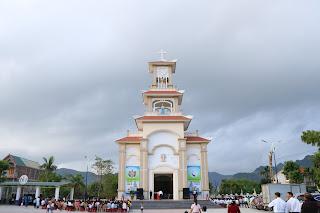 Chuyến thăm mục vụ của Đức Giám mục Giáo phận tại Giáo xứ Phù Kinh và Xuân Tình