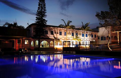 Turismo em Santa Catarina: HOTEL MORRO DOS CONVENTOS - ARARANGUÁ