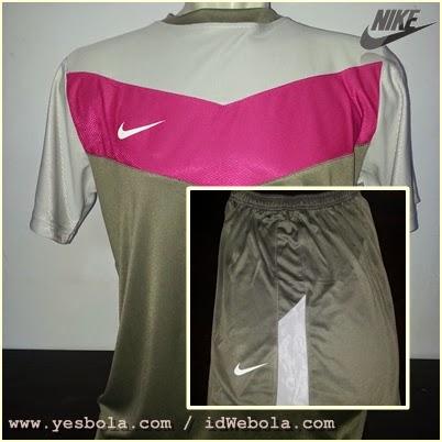 Kaos Nike Setelan