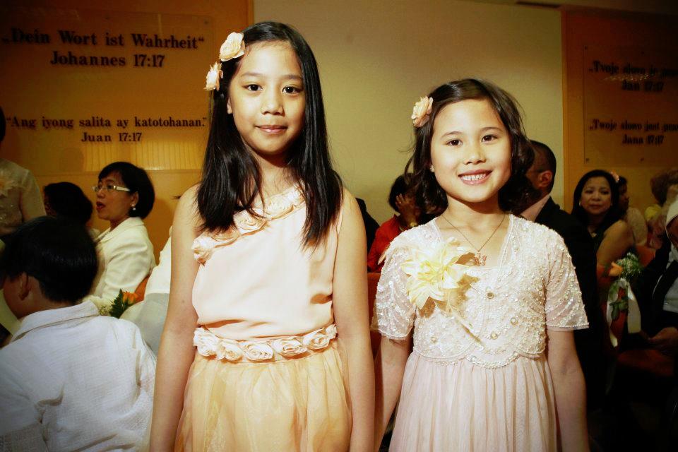 wedding, kids flower girls