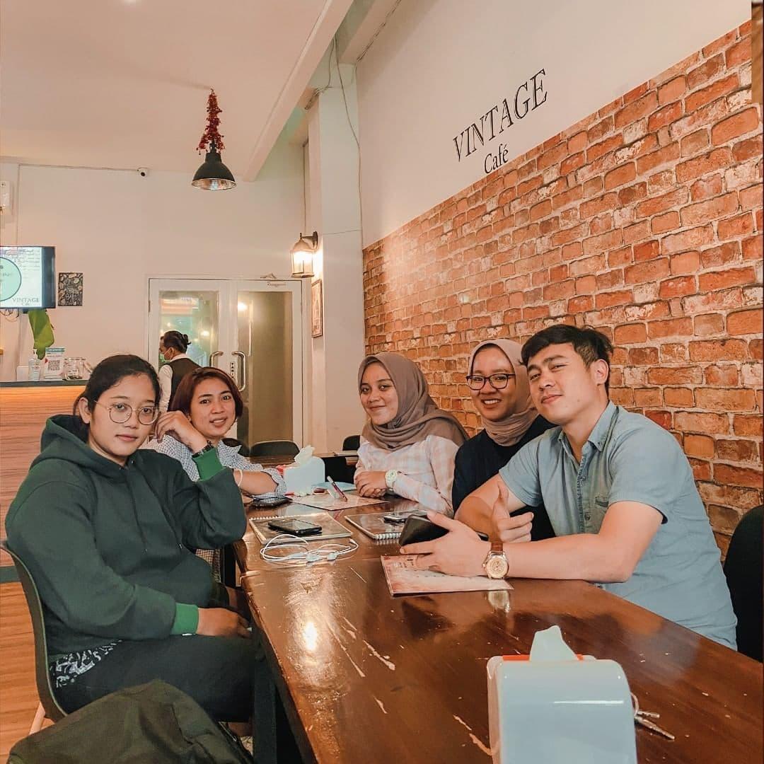 vintage cafe jakarta barat