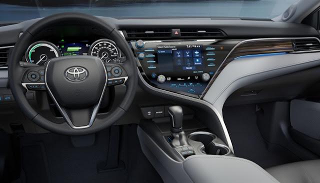 2018 Toyota camry XSE Price