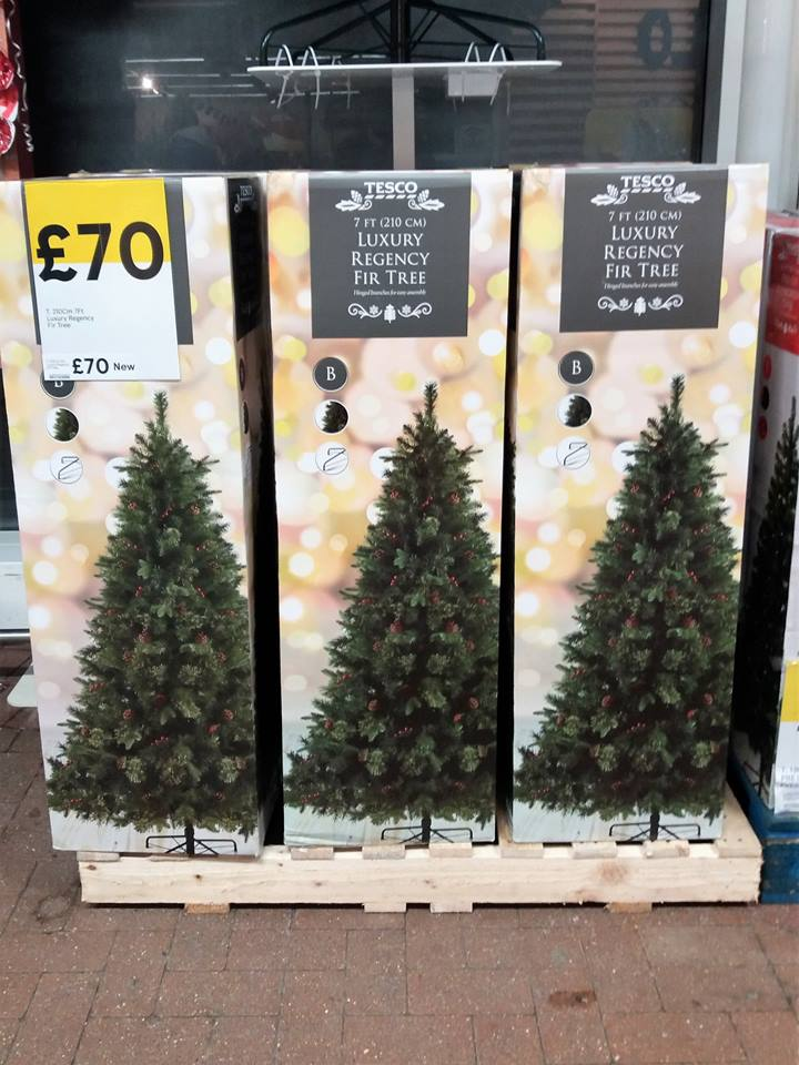low priced f0482 f1661 Martin Brookes Oakham Rutland England: Christmas Has Arrived ...
