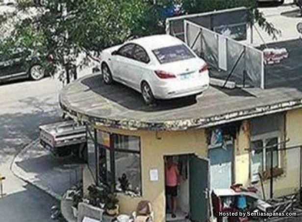 Enggan Bayar Parking
