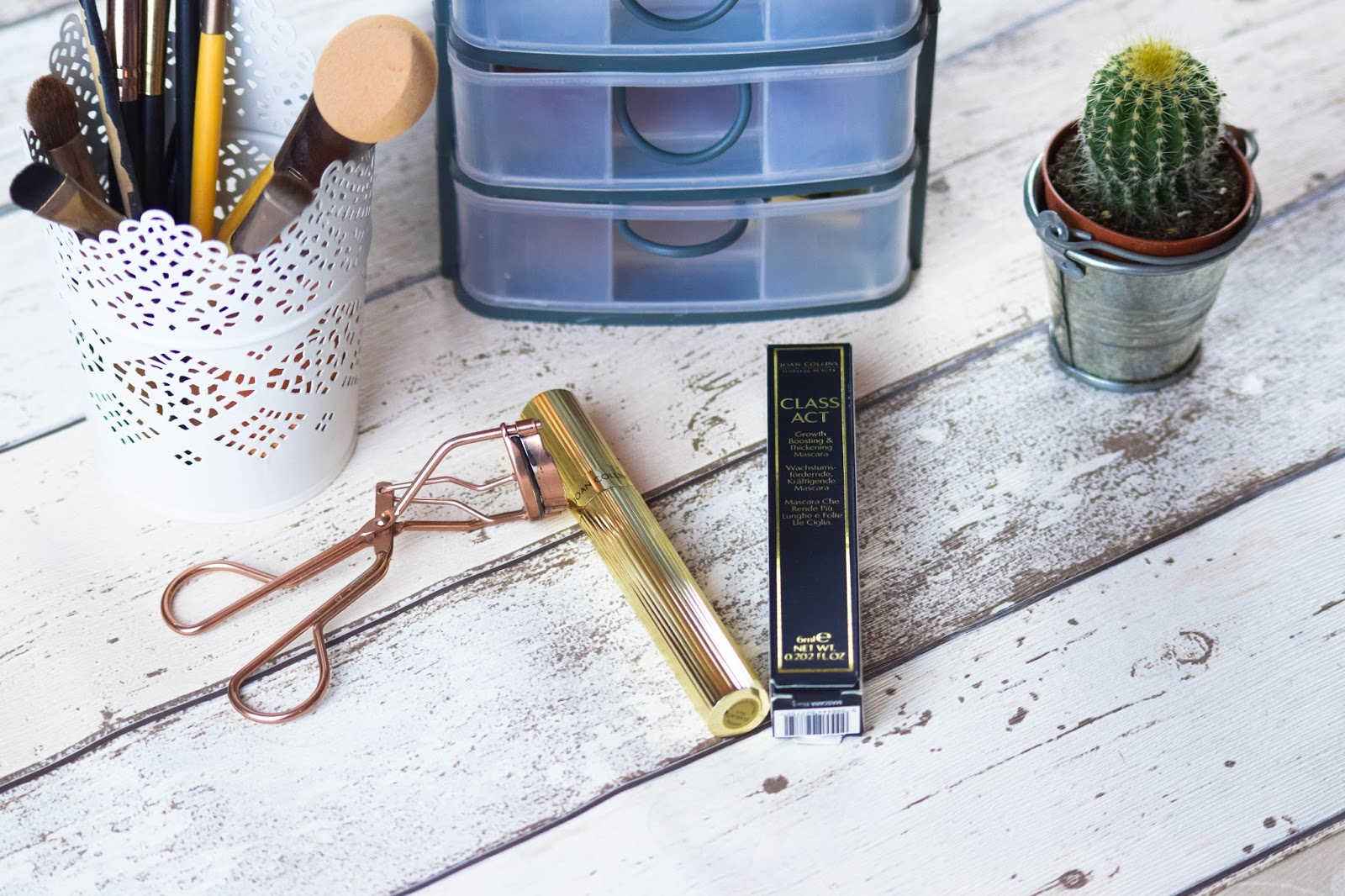 lebellelavie - A Class Act Mascara from Joan Collins Beauty