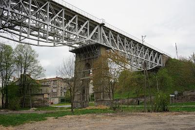 Wałbrzych: zabytkowy wiadukt kolejowy na linii nr 286