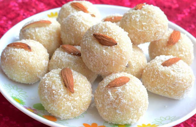Narkel Naru Coconut Ladoo