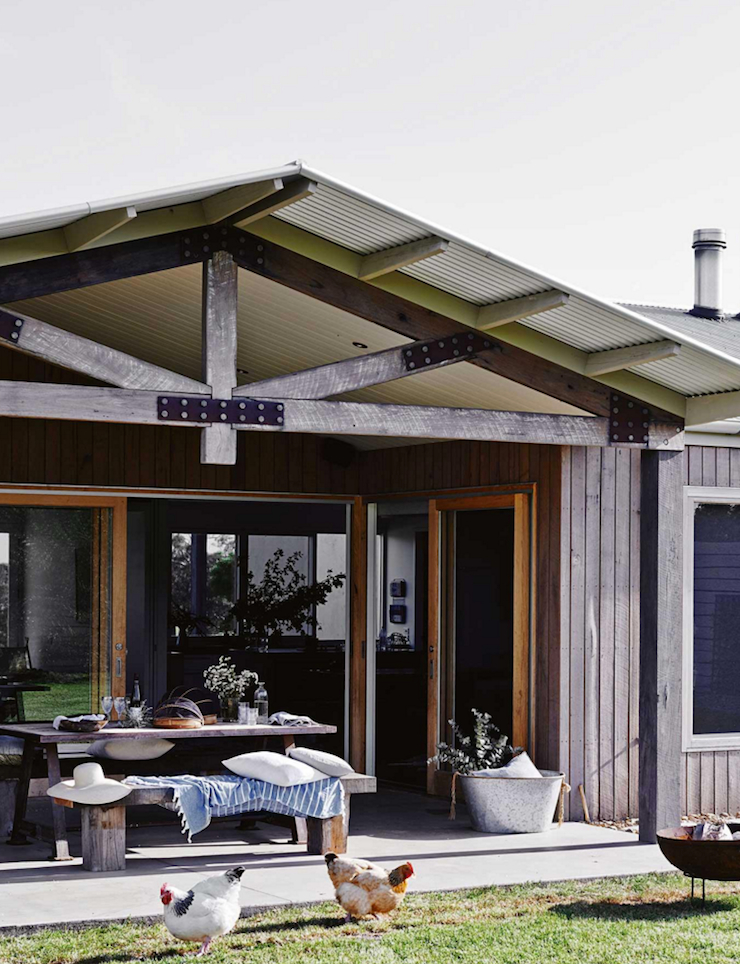 A beautiful  family home on Victoria's surf coast. Concrete and recycled wood.