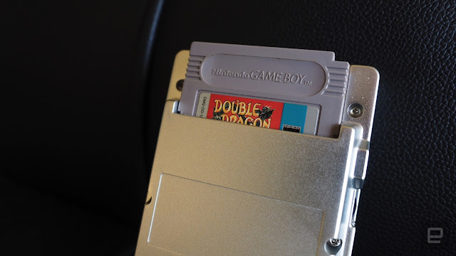 Loading a game cartridge