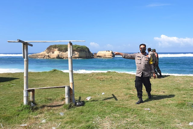 Wisata pantai wilayah Jerowaru dijaga ketat aparat