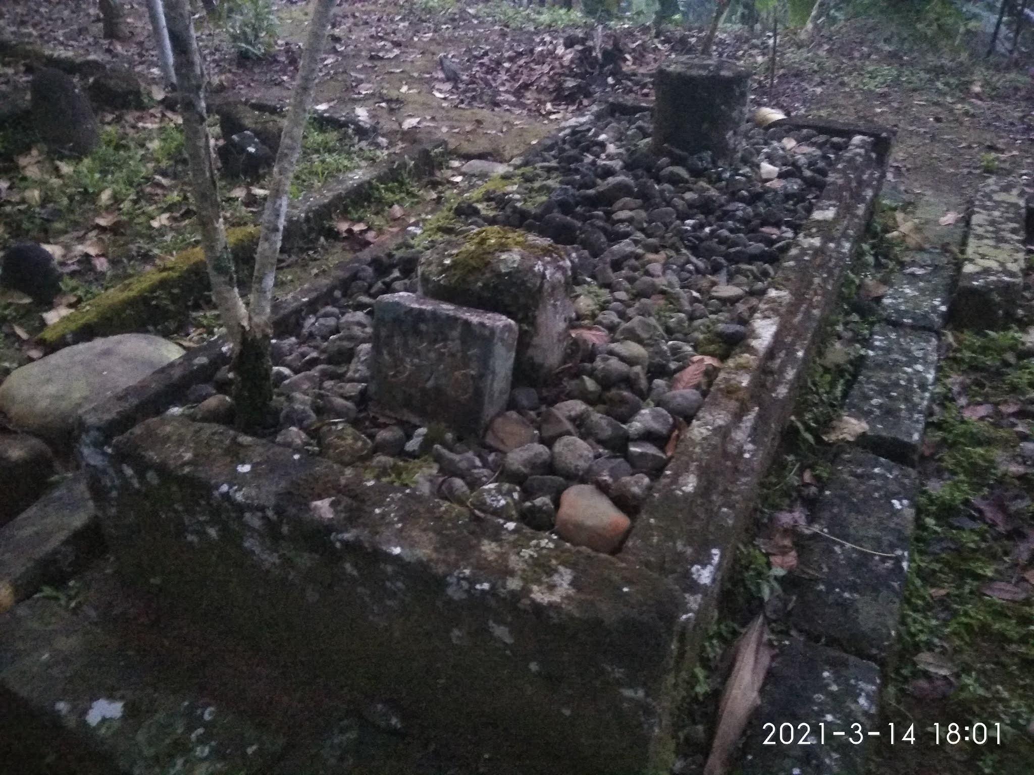 Silsilah Makam Keluarga Raden Singo Suto / Singa Taruna (Mojotengah Wonosobo)