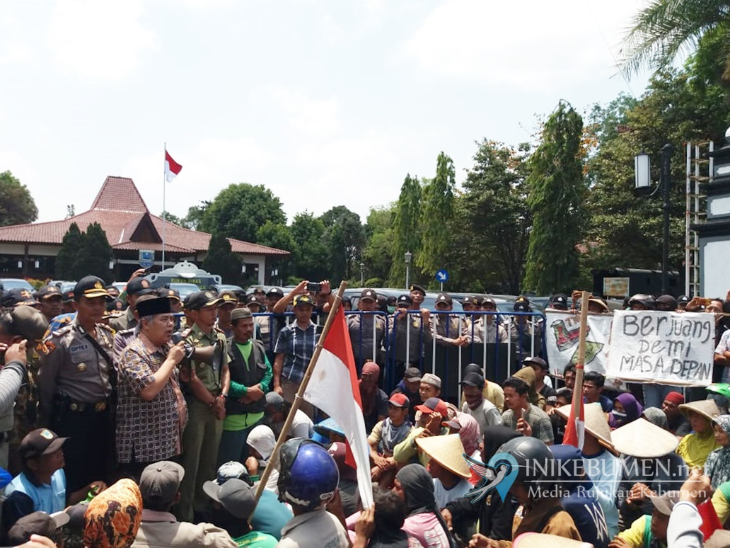 Bentrok Warga dan TNI Pecah di Urut Sewu, 16 Orang Luka-luka