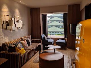 Clubroom Lounge Tangling