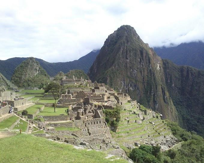 De Santiago a Lima: deserto de ATACAMA, salar de UYUNI, lago TITICACA e MACHU PICCHU.