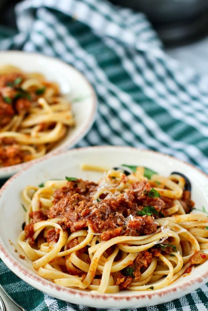 Ragu Bolognese with linguine