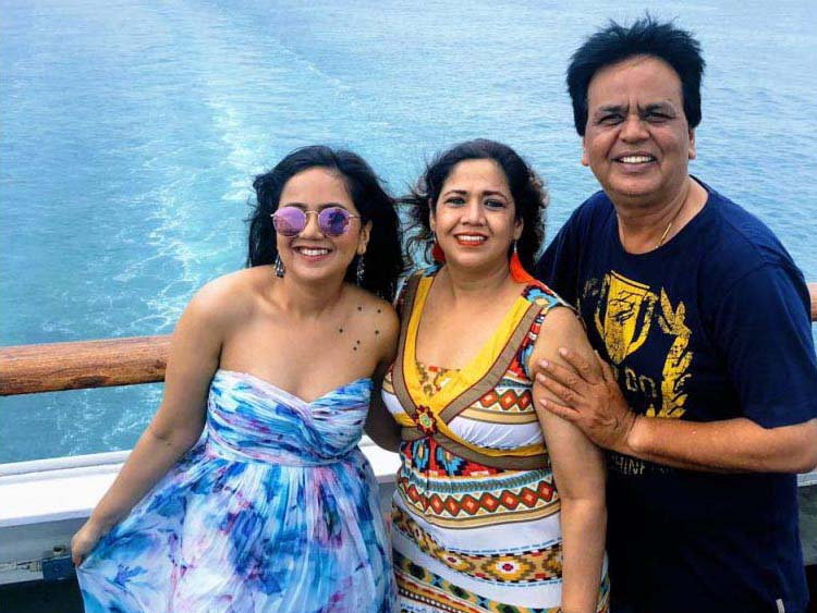Roopal Tyagi and her parents