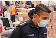 Ketua Polis Daerah PJ & JKM Sumbang Barangan Makanan & Harian Kepada Surirumah