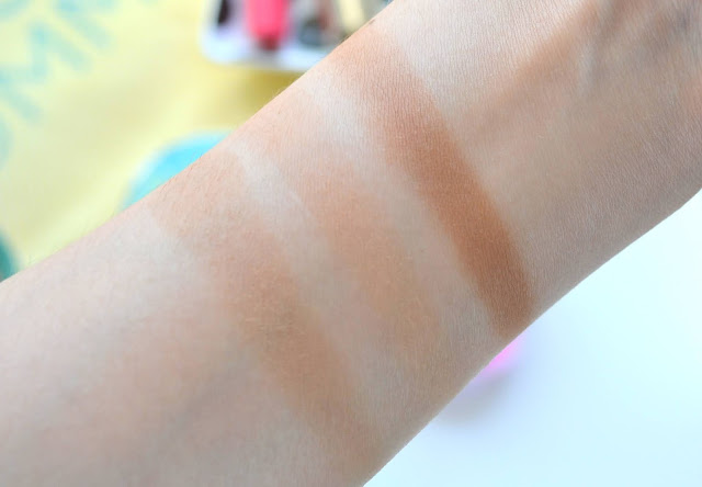 Bronzing Compact Sunkissed Healthy Glow Powder Swatches