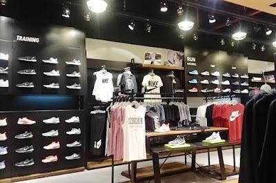 tempat jual sepatu Nike ori Surabaya