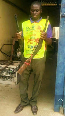 Lord's Chosen Pastor Forcefully Collects Guns From Armed Robbers In Rivers. Photos