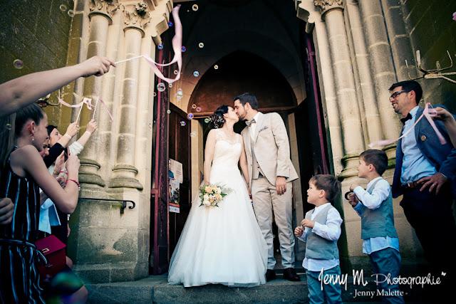 sortie d'église des mariés photo église de boulogne 85 les essarts