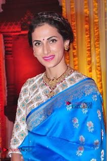 Actress Model Shilpa Reddy Exclusive Stills in Blue Saree at Vijay Karan Aashna Wedding  0031.JPG