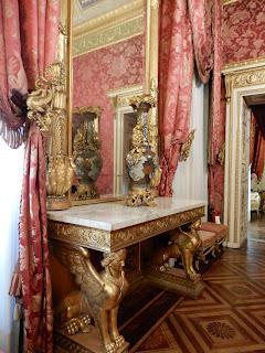 ジェノヴァのMuseo di Palazzo Realeの装飾された机